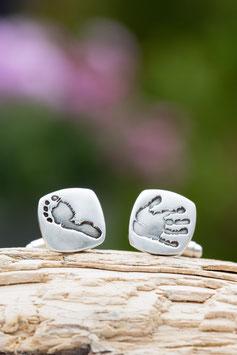 Manschettenknöpfe mit Fuß- oder (und) Handabdrücken in Silber