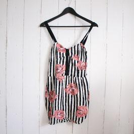 Kleid von Motel Gr. XS