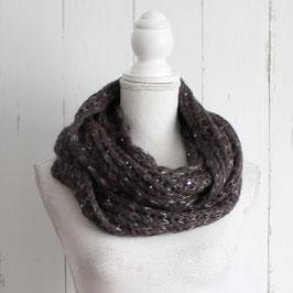 Brauner Schal mit Silberfaden