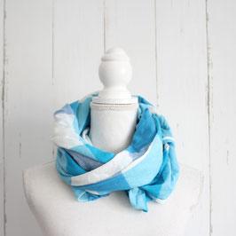 Blau-weiß kariertes Tuch