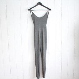 Kleid von prettylittlething Gr. 34 Neu