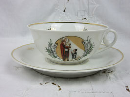 Tasse en porcelaine communion