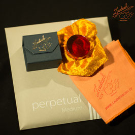 Pirastro - perpetual Medium Cello SET + Laubach Cello Rosin + Laubach Cleaning and Polishing Cloth