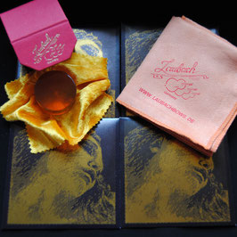 Pirastro - Evah Pirazzi Gold Violinstrings SET + Laubach Rosin for Violin + Laubach Cleaning and Polishing Cloth