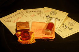 LARSEN купить Комплект струн для виолончели + ЭКОНОМ-Набор: золотая канифоль Laubach Gold для виолончели + High-Tech- платочек + спрей средство для чистки и полировки