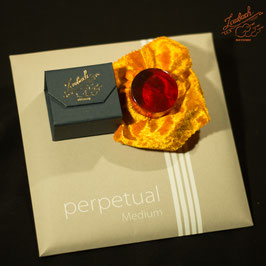Pirastro - perpetual Medium Cello SET + Laubach Cello Rosin
