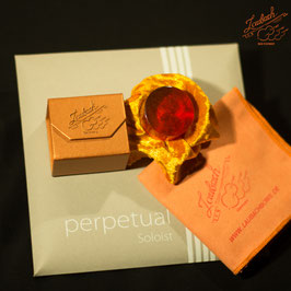 Pirastro - perpetual Soloist Cello SET + Laubach Cello Gold Rosin + Laubach Cleaning and Polishing Cloth