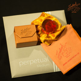 Pirastro - perpetual Medium Cello SET + Laubach Cello Gold Rosin + Laubach Cleaning and Polishing Cloth