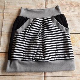 Taschenrock schwarz weiß gestreift Gr. 134/140