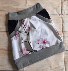 Taschenrock weiß mit Kirschblütten Gr. 110/116