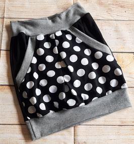 Taschenrock schwarz mit großen weßen Dots Gr. 134/140