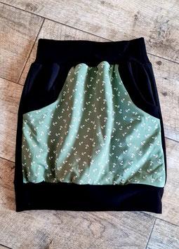 Taschenrock schwarz grün mit weißen Anker Gr. 134/140