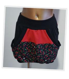 Taschenrock rot/schwarz mit kleinen Kirschen Unikat (Gr.M)