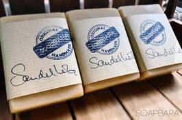 Sandelholz-puristisch