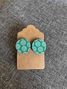HolzOhrstecker Grün mit weißen Punkten
