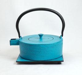 Gusseisen Kanne Hellblau mit Untersatz 0,8l
