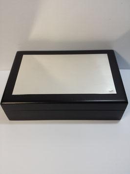 Caixa madeira com placa em prata 150.100