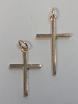 Cruz em ouro de fio quadrado lisa