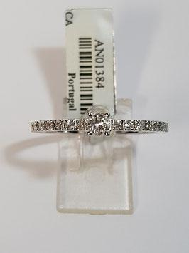 Anel ouro branco solitário com fila de diamantes laterais - CA