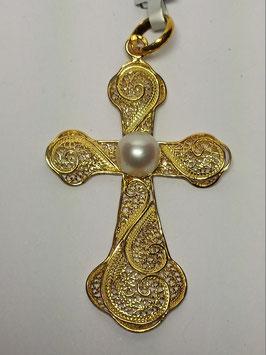 Cruz de filigrana em prata dourada com pérola