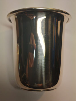 Copo liso de rebordo largo em prata