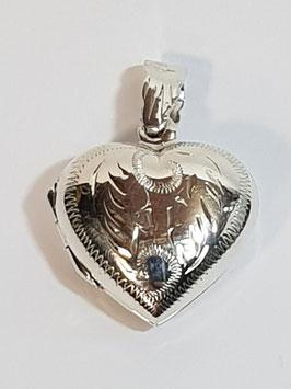 Medalha coração de abrir gravado 18 - PP/BL352