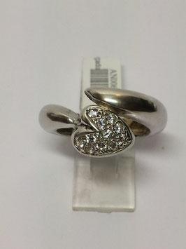 Anel em prata, traçado com coração de zircónias