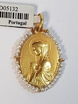 Medalha Nª Sª Carrapito com pérolas - Escultor João da Silva