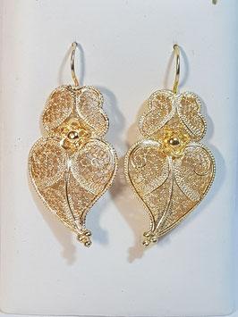 Brincos prata dourada Coração de Viana 40.30 com flor - AN