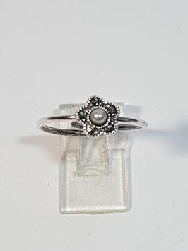 Anel em prata flor marcassitas pérola - FMI