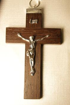 Cruz de pau santo com Cristo em prata - ponta em cima