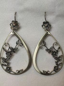 Brincos filigrana em prata -  formato gota com borboletas
