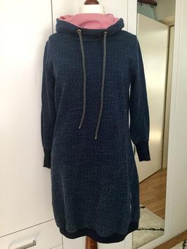 Kleid Sweatstoff blau mit kleinen Punkten Größe 40