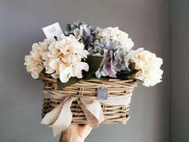 Cesto Hortensias Azules y Blancas