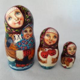 """Matroschka                                 3-teilig """"Mutter mit kleiner Tochter"""""""