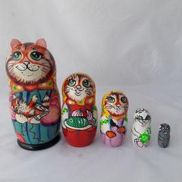 """Matroschka 5-teilig groß    """"Katze mit einem Kätzchen""""."""