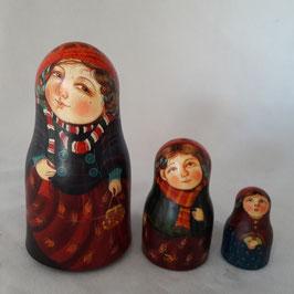 """Matroschka                                 3-teilig """"Mutter mit den Kinder"""""""