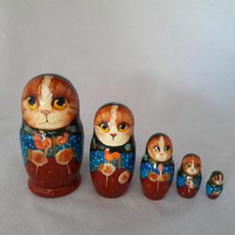 """Matroschka                                         5 tlg """"Katze mit Süssigkeit"""""""