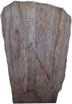 Grabmal aus Odenwald-Quarz