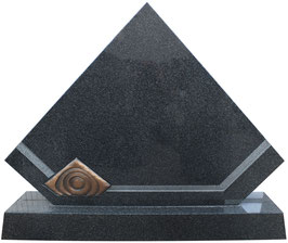 Grabmal in Diamant-Form
