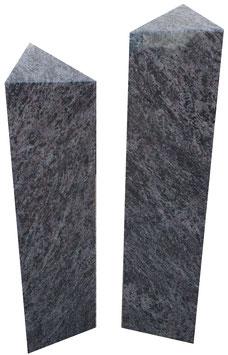 Stelenpaar Urnengrabmal
