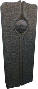 Handwerkliches Grabmal aus Diabas