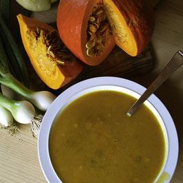 Vegetarische Kürbis-Apfel-Suppe