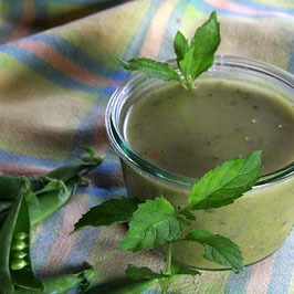 Vegetarische Erbsen-Minze-Suppe