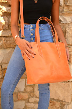 Handmade leather tote bag with zipper and lining