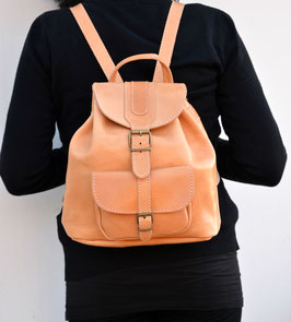 Medium sized backpack with large front pockets