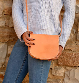 Handmade natural leather shoulder purse