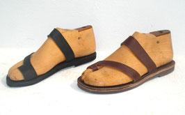 Zehenschlaufe mit Lederband