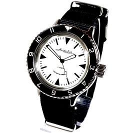 """Russische Automatikuhr """"AMPHIBIA"""" mit SuperLumiNova Lumineszenz-Zifferblatt und NATO Armband von VOSTOK-Watches24, Edelstahl, poliert, ø40mm"""
