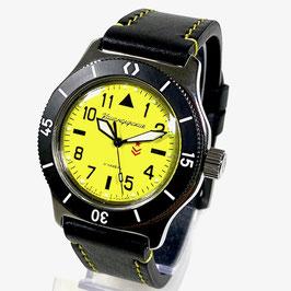 """Russische Automatikuhr """"KOMANDIRSKIE"""" mit Schwertzeiger, PVD beschichteter Lünette. SuperLumiNova und gelb gestepptem Kalbslederarmband von Vostok-Watches24, Edelstahl, poliert, ø41,5mm"""